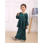 Girl Raya 9135 - Emerald Green